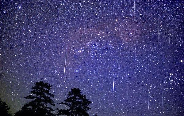 1375866259_meteor-rain