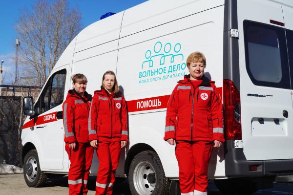 07.04.20 Благотворительность в помощь медикам. В трех городах области появились новые машины скорой помощи (2)